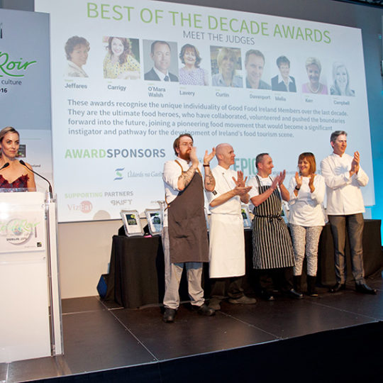http://www.tourroir.com/wp-content/uploads/2016/11/Chefs-Applaud-Winners-web-540x540.jpg